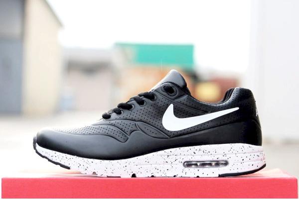 Мужские кроссовки Nike Air 87 черные с белым