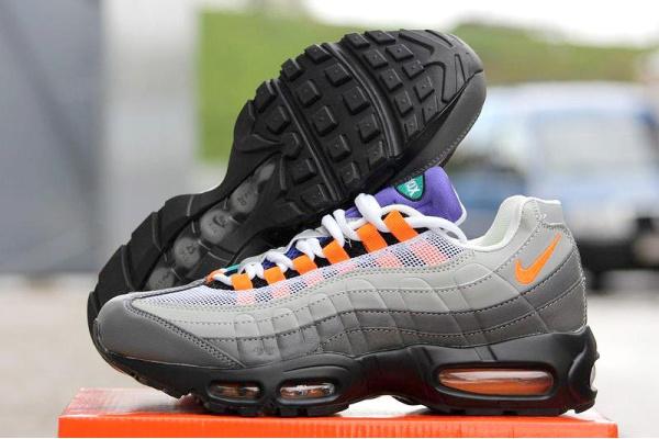 Мужские кроссовки Nike Air Max 95 серые с оранжевым