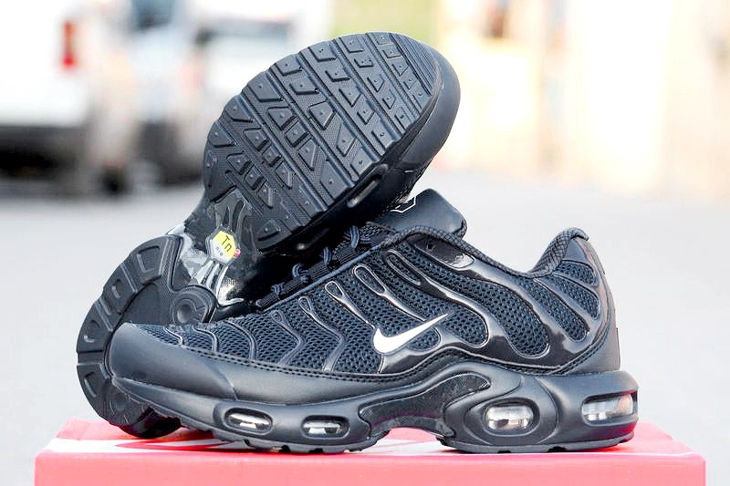 low priced f16ad 9adbd Мужские кроссовки Nike Air Max 95 TN Plus черные