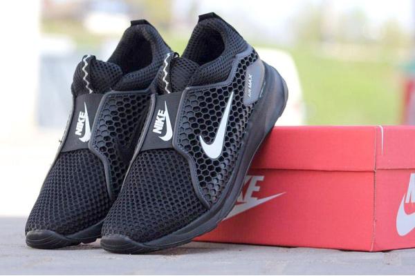Мужские кроссовки Nike Air Max Slip On черные