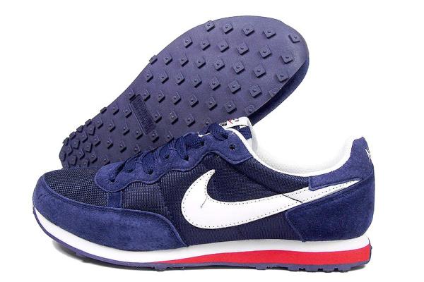 Мужские кроссовки Nike Air Pegasus 83 темно-синие с белым