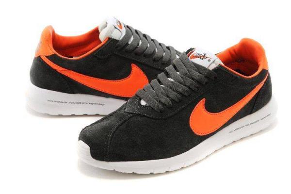 Мужские кроссовки Nike Roshe Carbon серые с оранжевым