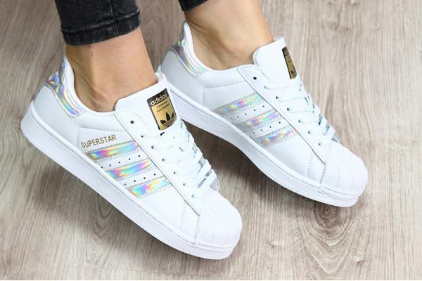 Женские кроссовки Adidas Classics Superstar Hologram Iridescent белые