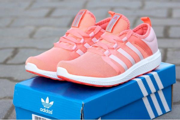 Женские кроссовки Adidas Fresh Bounce Climacool коралловые