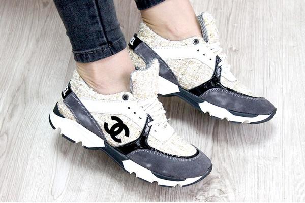 Женские кроссовки Chanel бежевые