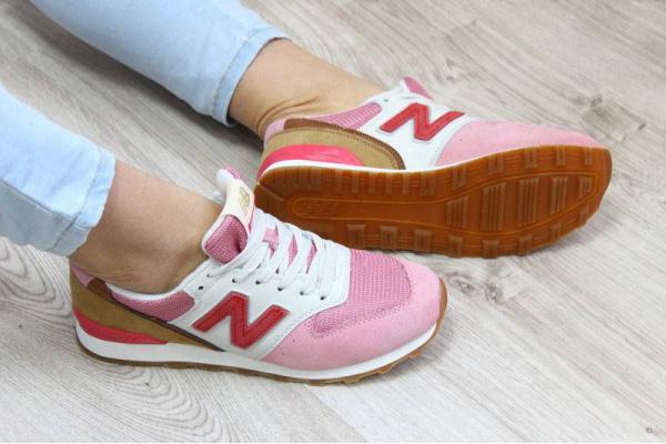 Женские кроссовки New Balance розовые с малиновым