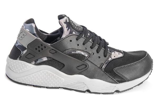 Женские кроссовки Nike Air Huarache Camo черные