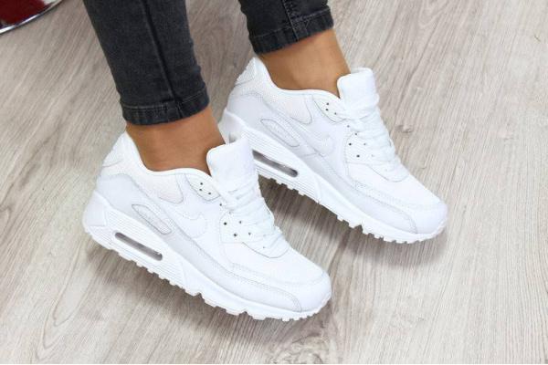 Женские кроссовки Nike Air Max белые