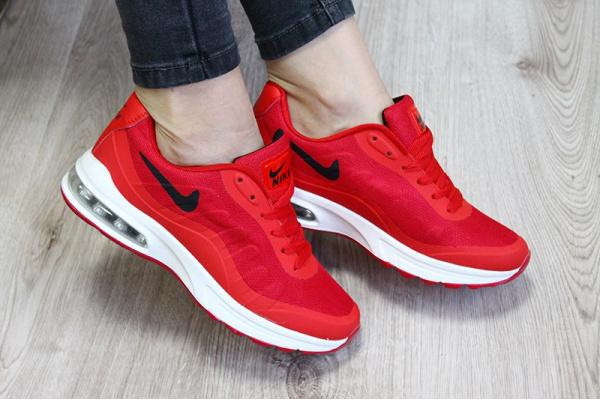 Женские кроссовки Nike Air Max Invigor Print красные