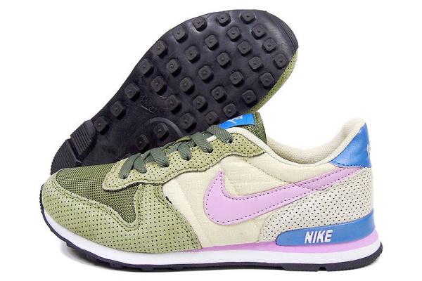 Женские кроссовки Nike Air Vortex Vintage зеленые с бежевым