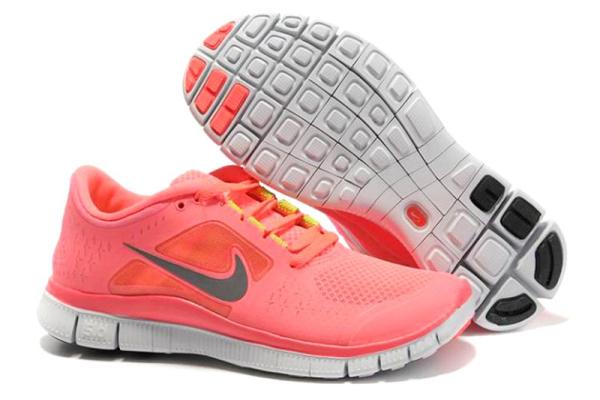 Женские кроссовки Nike Free Run 3.0 Hyperfuse розовые