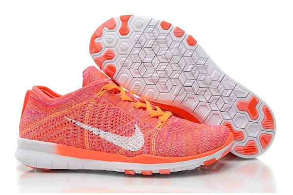 Женские кроссовки Nike Free TR 5 Flyknit кораллово-красные