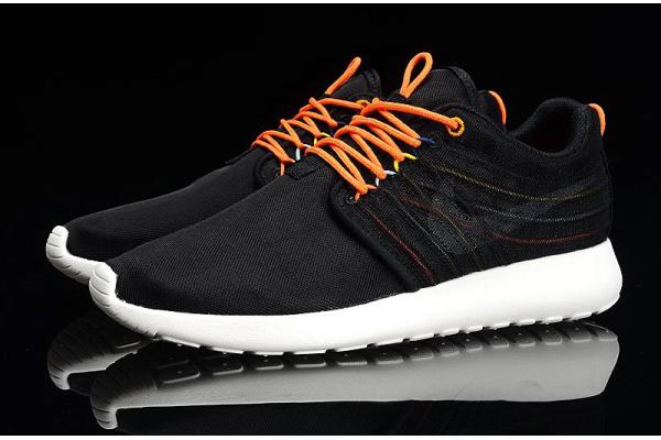 Женские кроссовки Nike Roshe Dynamic черные с оранжевым