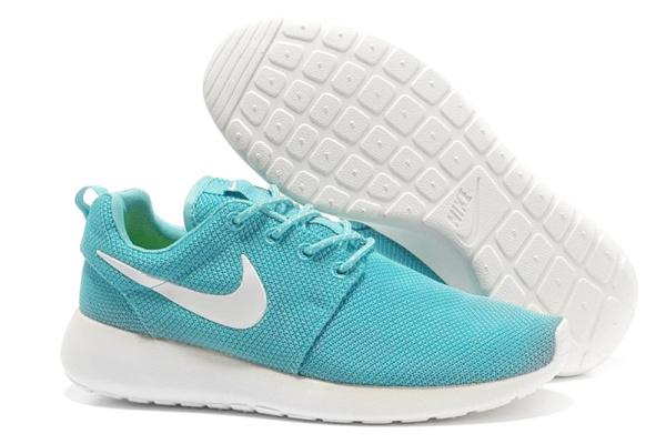 Женские кроссовки Nike Roshe Run Low бирюзовые