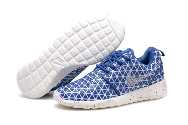 Женские кроссовки Nike Roshe Run Metric синие