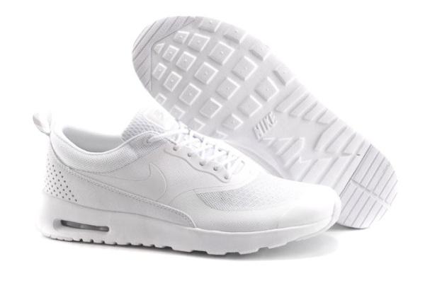 Женские кроссовки Nike Thea белые
