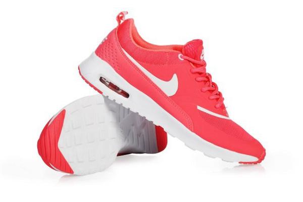 Женские кроссовки Nike Thea розовые