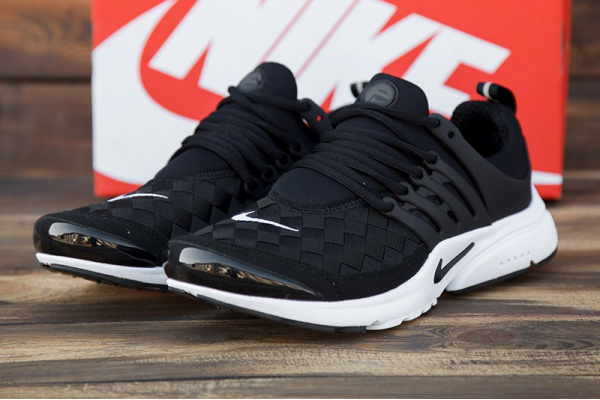Мужские кроссовки Nike Air Presto SE черные с белым