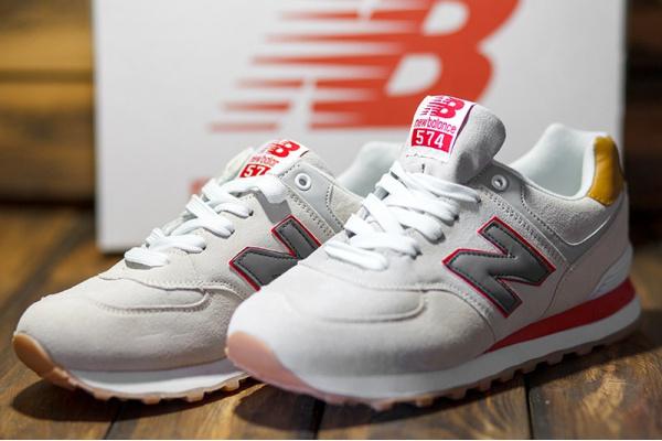 Женские кроссовки New Balance 574 бежевые