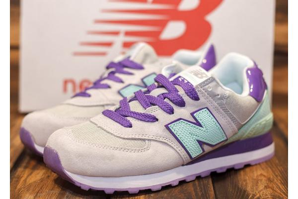 Женские кроссовки New Balance 574 бежевые с фиолетовым