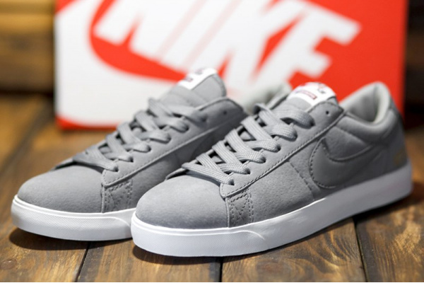 Женские кроссовки Nike SB Blazer Low GT x Supreme серые