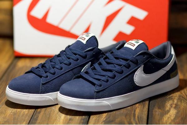 Женские кроссовки Nike SB Blazer Low GT x Supreme синие