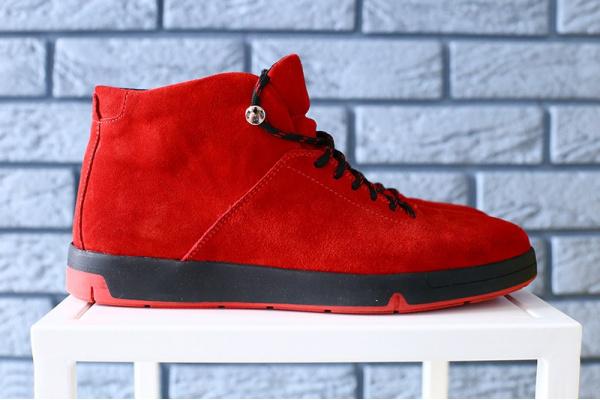 Мужские ботинки на меху красные
