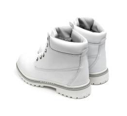 Женские ботинки на меху белые