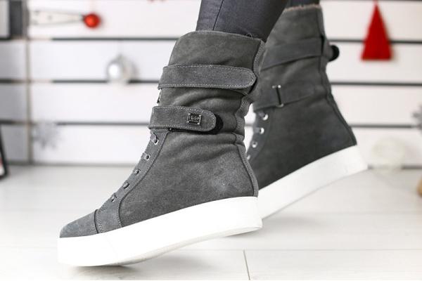 Женские ботинки на меху UGG Australia серые