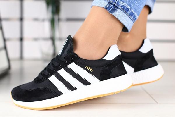 Женские кроссовки Adidas Iniki Runner черные