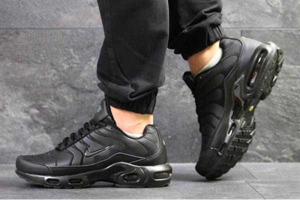 Мужские кроссовки Nike TN Air Max Plus черные