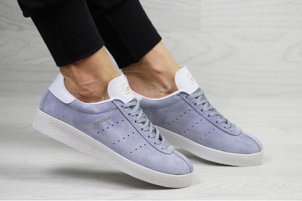 Женские кроссовки Adidas Topanga фиолетовые