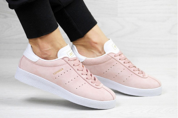 Женские кроссовки Adidas Topanga розовые