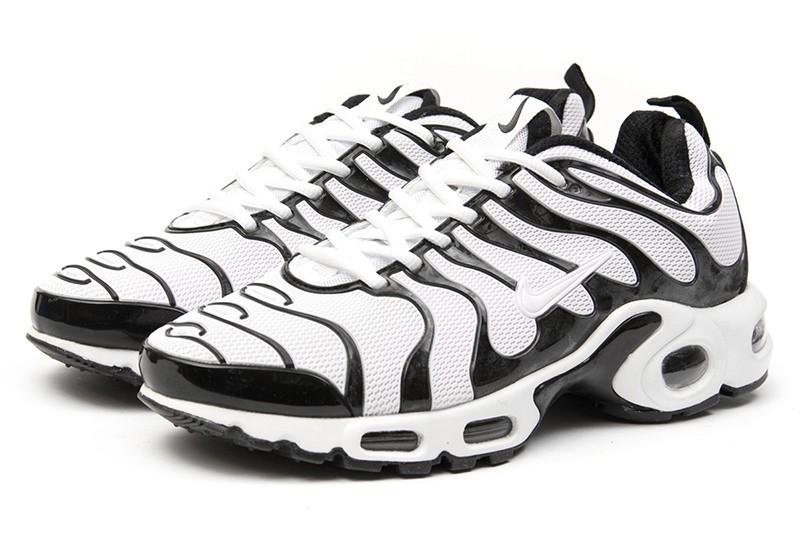 d9c2255e Nike (Найк) кроссовки Air Max Plus TN Plus белые с черным купить ...