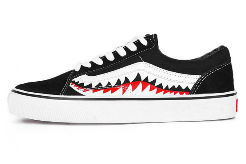 29723137fc57 Женские кеды Vans Old Skool x Bape Shark Mouths Tooth черные