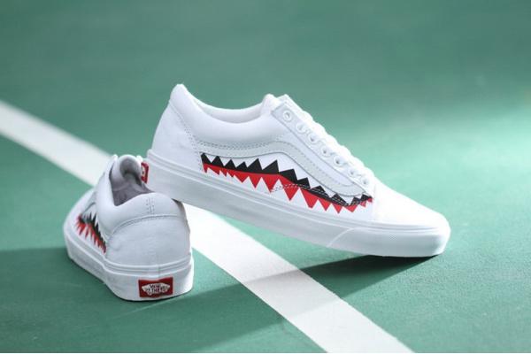 Женские кеды Vans Old Skool x Bape White Shark Mouths Tooth белые