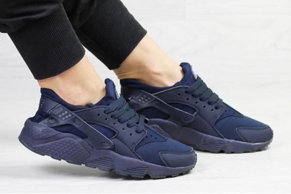 Женские кроссовки Nike Air Huarache темно-синие
