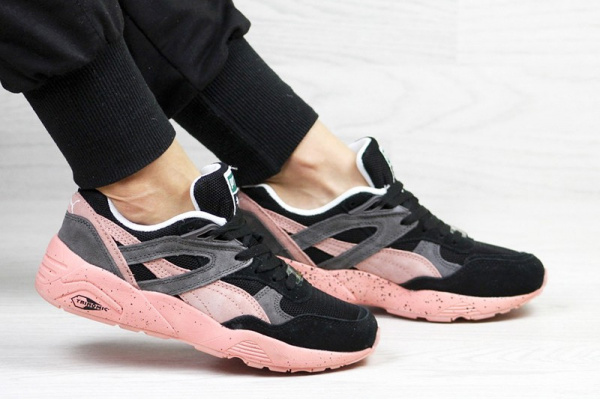 Женские кроссовки Puma Trinomic R698 черные с розовым