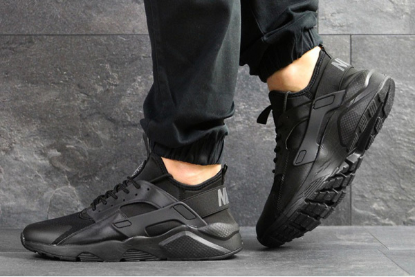 Мужские кроссовки Nike Air Huarache черные