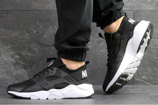 Мужские кроссовки Nike Air Huarache черные с белым