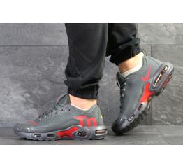 Купить Мужские кроссовки Nike Air Max Plus TN Ultra SE серые с красным