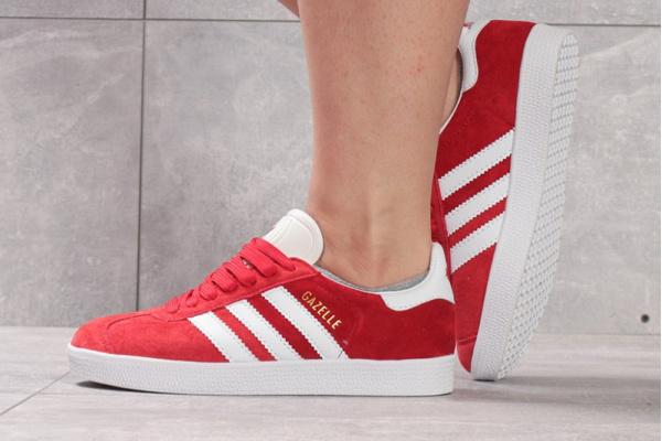 Женские кроссовки Adidas Gazelle красные с белым