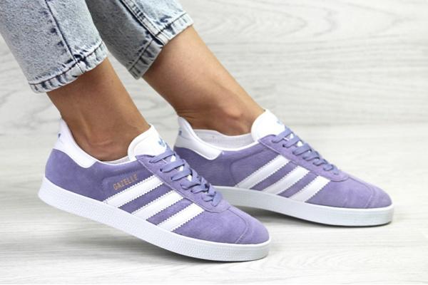 Женские кроссовки Adidas Gazelle сиреневые с белым