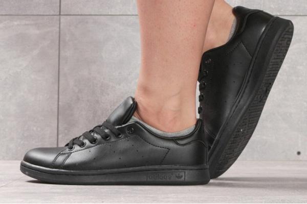 Женские кроссовки Adidas Stan Smith черные