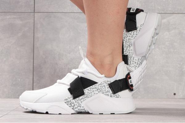 Женские кроссовки Nike Air Huarache City белые