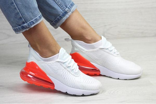 Женские кроссовки Nike Air Max 270 белые с красным