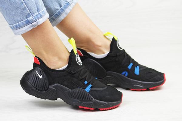 Женские кроссовки Nike Huarache E.D.G.E. черные