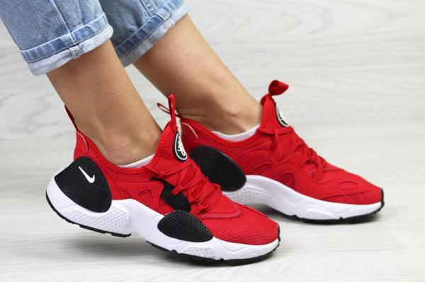 Женские кроссовки Nike Huarache E.D.G.E. красные