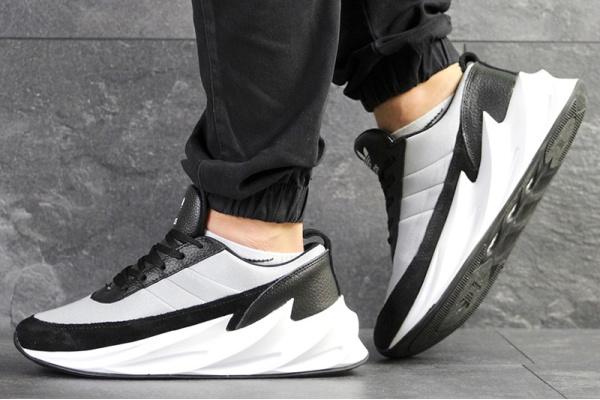 Мужские кроссовки Adidas Sharks серые с черным