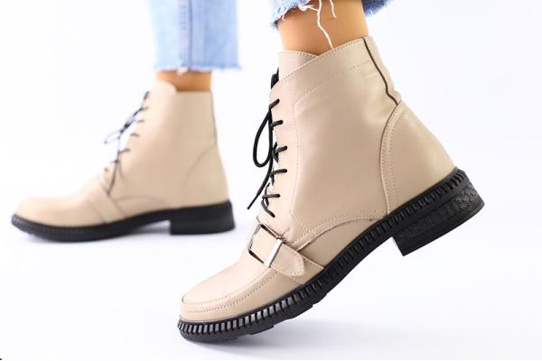Женские ботинки на меху бежевые